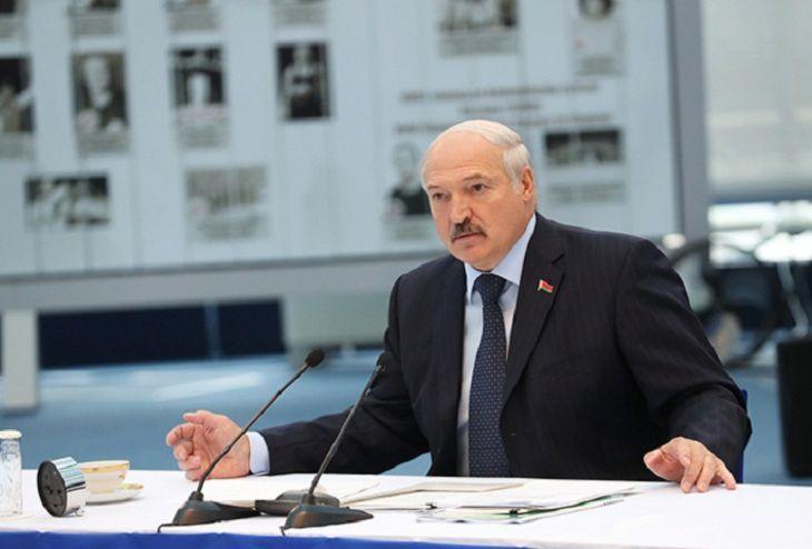 Президент подписал указ «Об организации вступительной кампании в учреждениях образования в 2020 году».