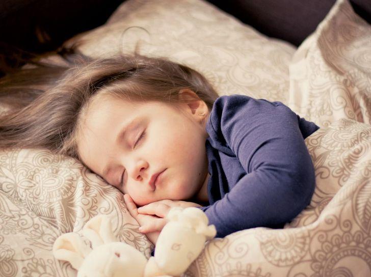 Названа самая полезная привычка для здорового сна