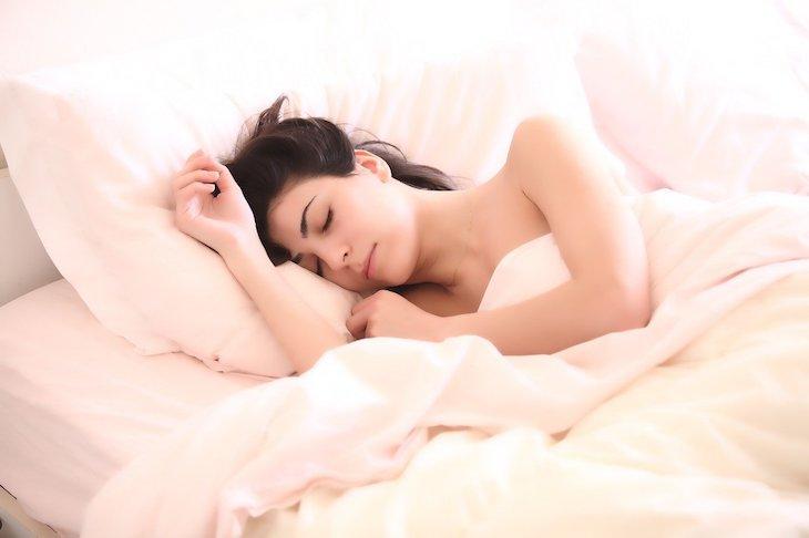 Ученые рассказали, сколько времени должен длиться самый полезный дневной сон