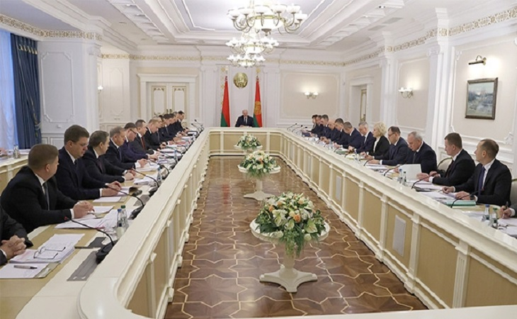 Кому Лукашенко передаст полномочия президента