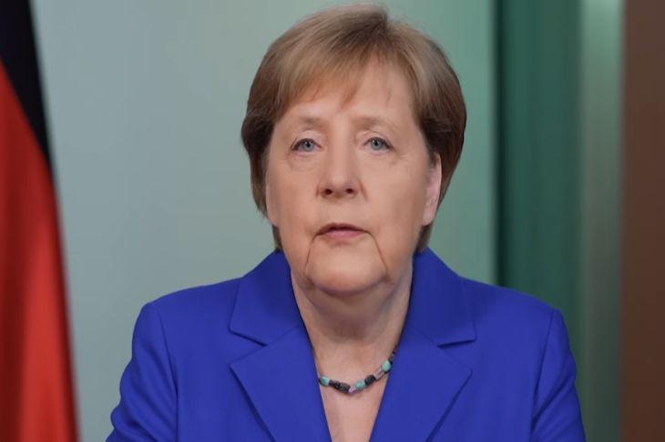 Зеленский отправится вБерлин навстречу сМеркель