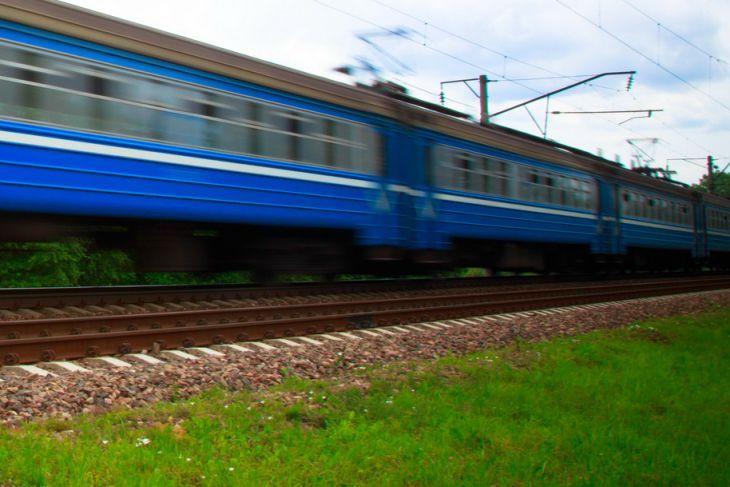 В Украине пассажир поезда упал во сне с верхней полки и умер