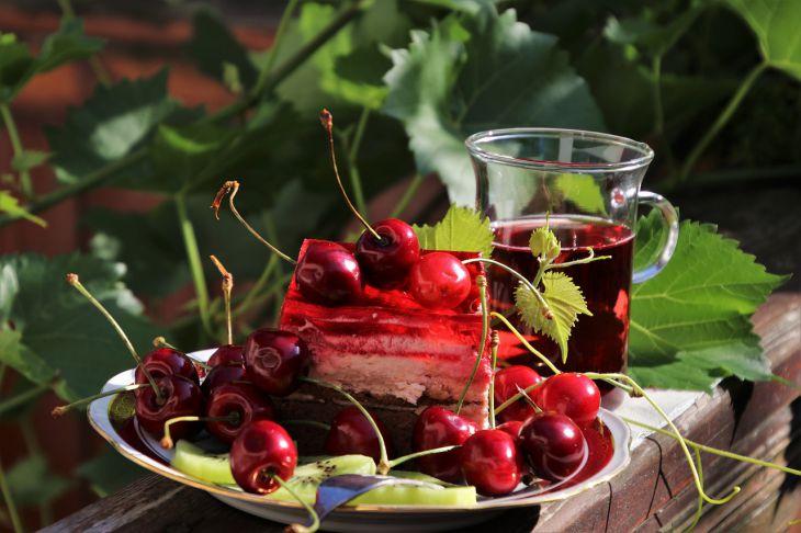 Вишня Десерт
