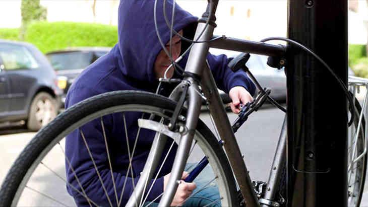 В Борисове безработный отобрал велосипед у местного жителя