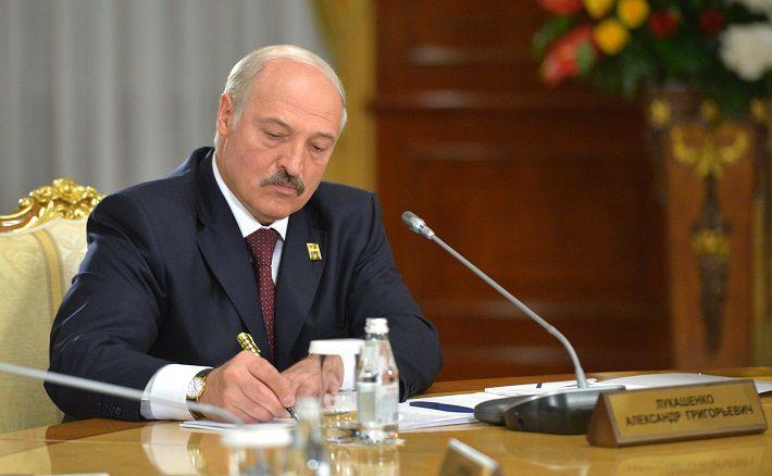 Лукашенко выделил деньги на летнее оздоровление детей из Сирии