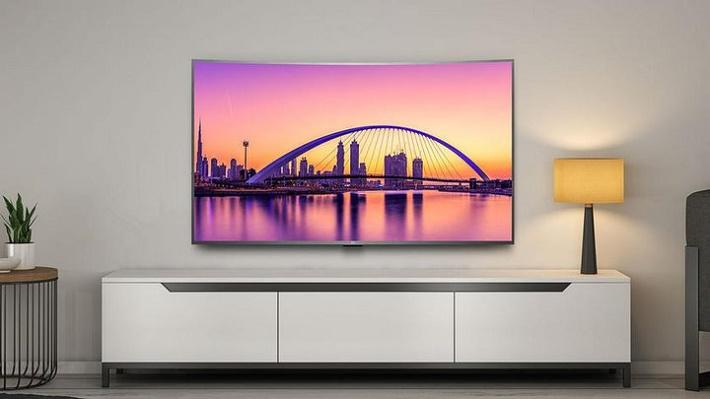 Xiaomi представила изогнутый телевизор за 520 долларов