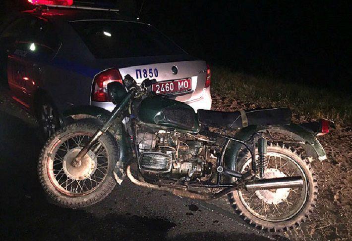 В Заславле пьяный восьмиклассник на мотоцикле столкнулся с машиной ГАИ