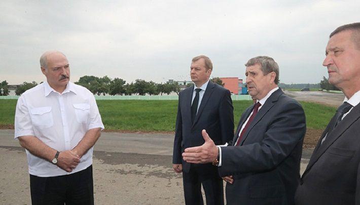 Лукашенко требует заканчивать с уговорами и наводить железную дисциплину на предприятиях