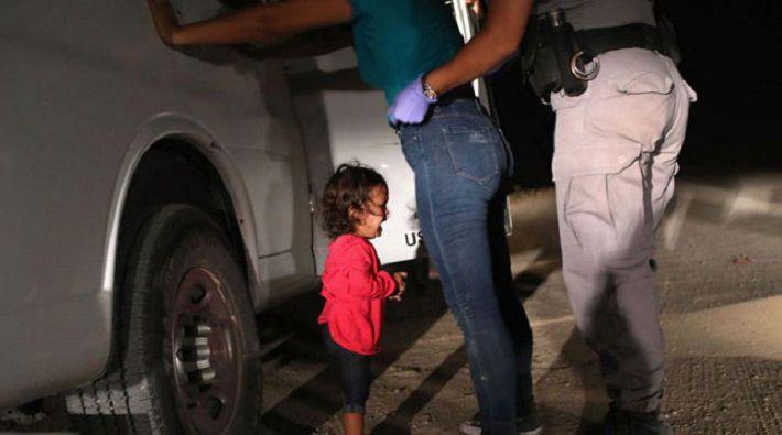 Трамп попал на обложку журнала Time с девочкой-мигранткой
