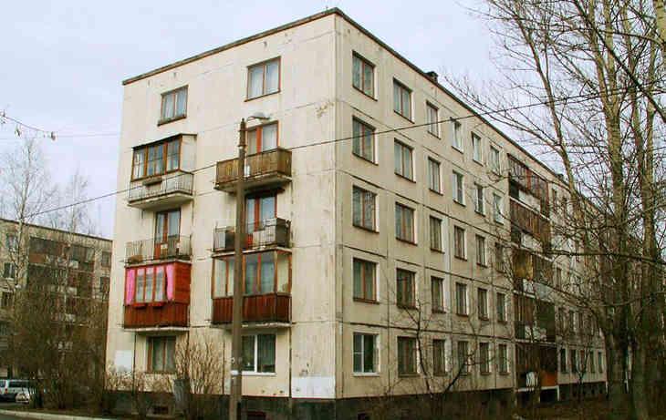 В Витебске с балкона четвертого этажа упал мужчина
