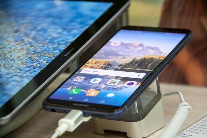 Google заменит Android новой ОС