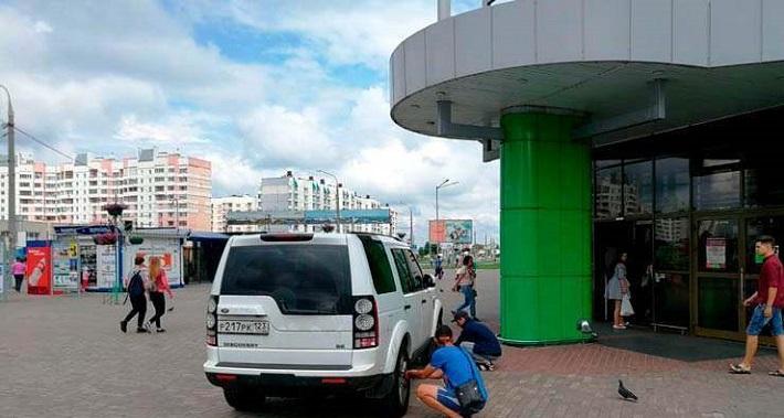 В Гомеле россиянина наказали за неправильную парковку