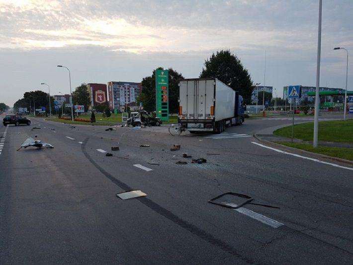 Жуткое ДТП под Жодино: Fiat врезался в фуру