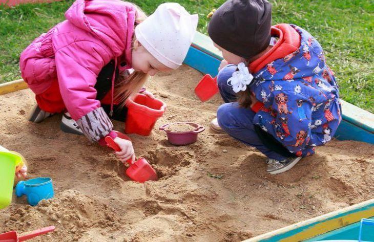 Experts told how dangerous children's sandboxes