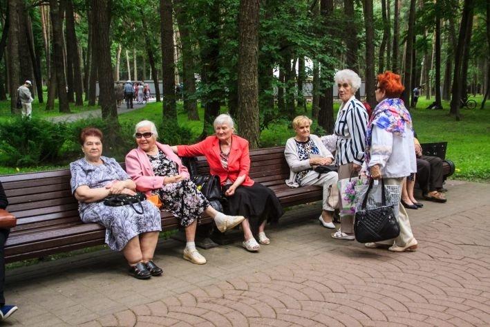 В Беларуси проживают более 380 человек в возрасте старше ста лет — Костевич