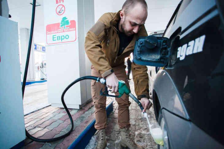 Эксперты рассказали чем опасен некачественный бензин