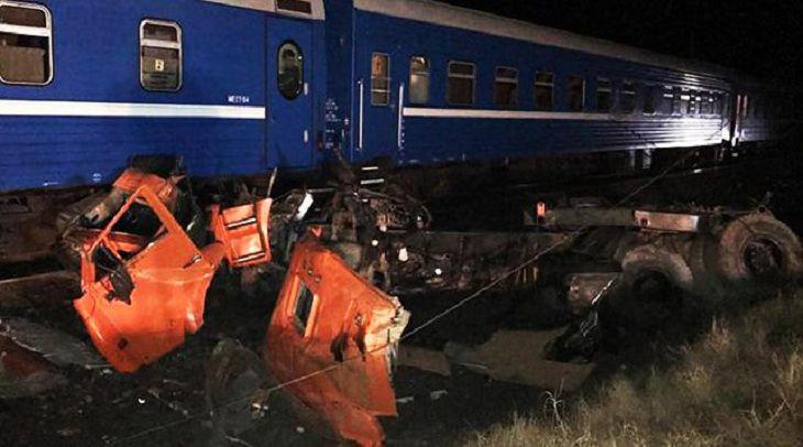 В столкновении поезда Минск Адлер с грузовиком пострадали белорусы