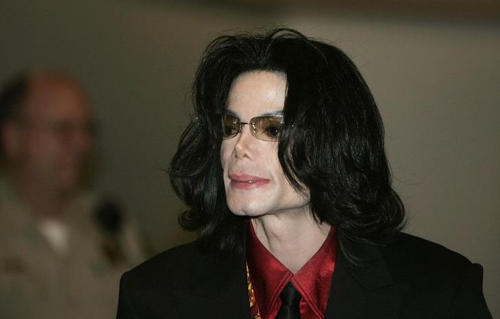 Поклонники Майкла Джексона сказали  обопустевшем склепе