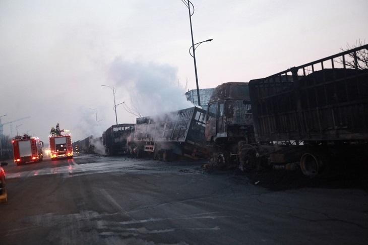 ВКитайской народной республике  после взрыва около хим.  завода погибло 22 человека