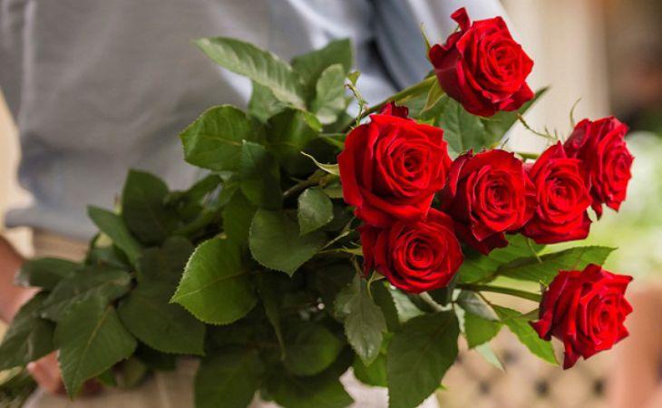 Приметы о букетах — какие цветы нельзя дарить девушке