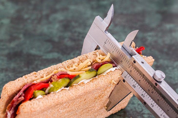 Ученые У людей с излишним весом происходит усушка мозга и повышается риск деменции