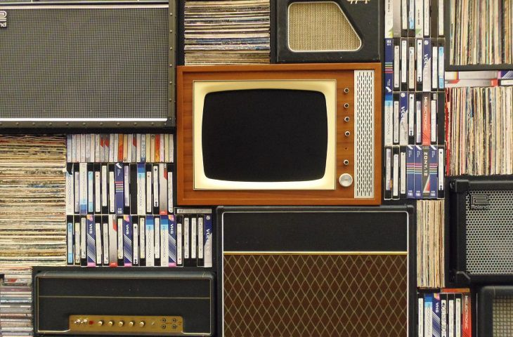 Scientists: TV advertising provokes the appearance of cancer in children