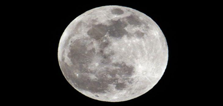 """У Мережі показали дивовижні кадри """"кривавого Місяця"""" під час затемнення (ФОТО, ВІДЕО)"""