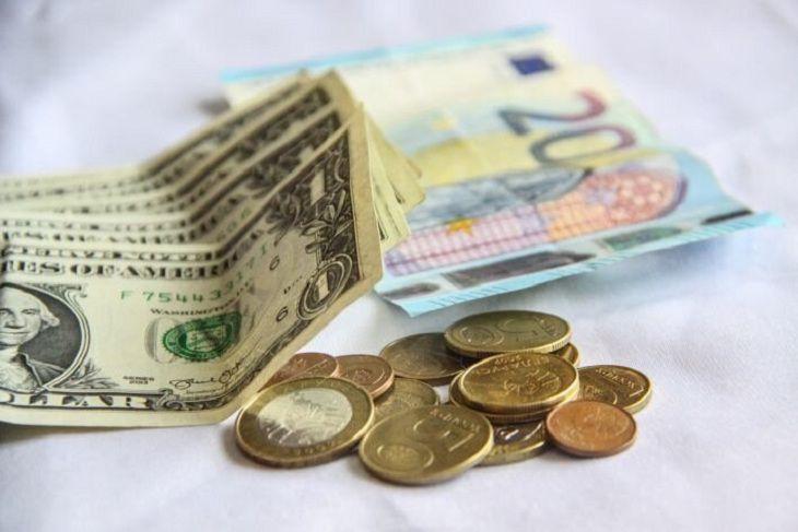 Гривна отправила доллар внокаут: такого курса украинцы давно не могли видеть