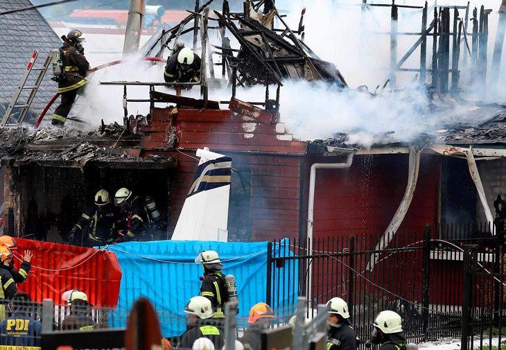 ВЧили самолет упал надва дома, есть жертвы