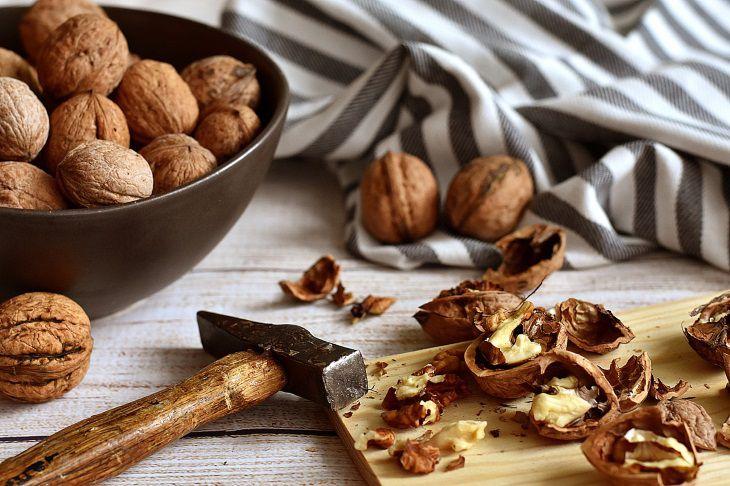 Ученые выяснили, какие орехи помогут похудеть