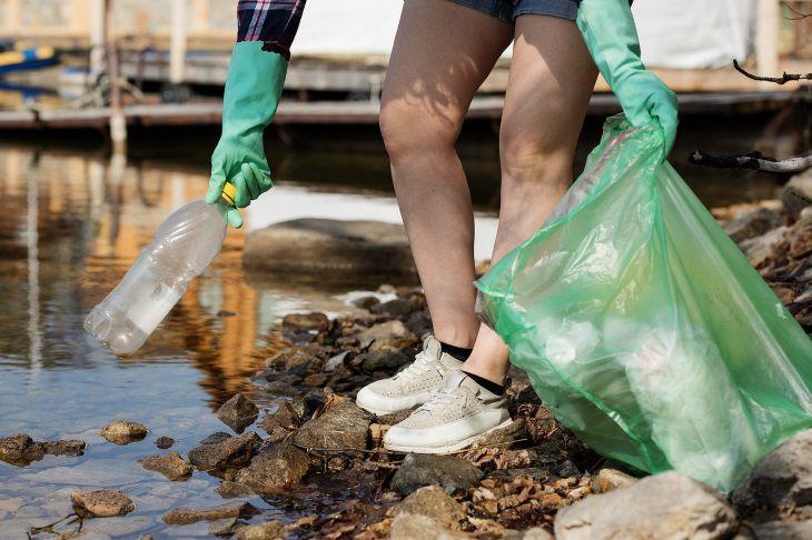 Экологи: каждые 30 секунд из-за пластиковых отходов погибает один человек