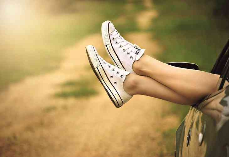 4 вида популярной летней обуви, которая может серьезно навредить ногам