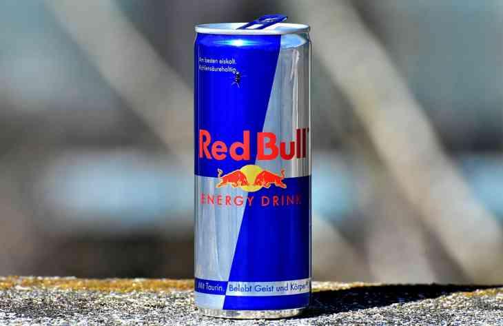 Ученые рассказали, чем грозит употребление энергетических напитков