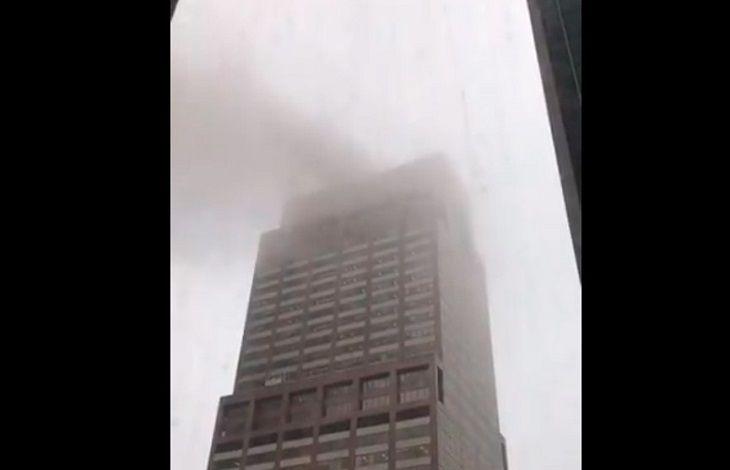 Падение вертолета на небоскреб в Нью-Йорке: погиб пилот. Это не теракт