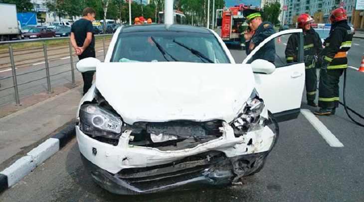 """""""Напала на прихожанку и протаранила 4 авто"""": в Витебске москвичка устроила дебош в церкви"""