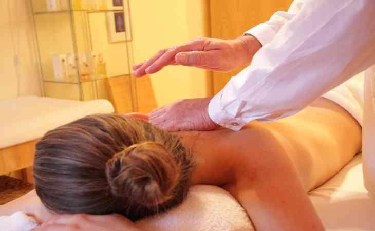 Смертельный массаж: россиянка скончалась на процедуре иглоукалывания