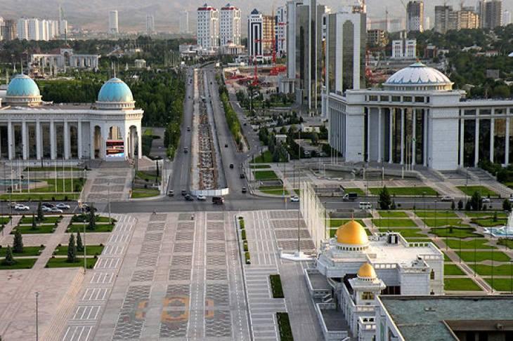 «В магазин мы ездили на такси». Белорус рассказывает о своей работе и жизни в Туркменистане