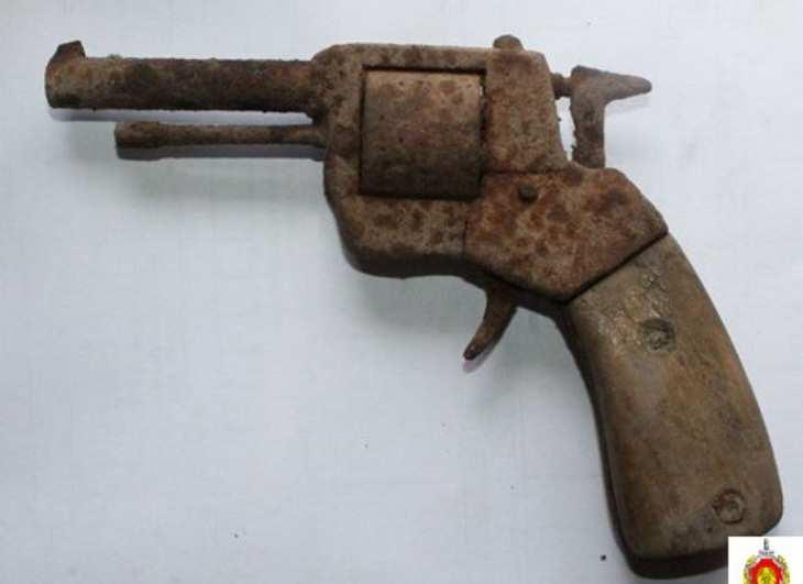 На шиномонтаже в Гродно нашли револьвер с патронам