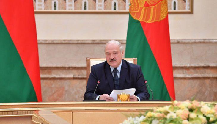 Лукашенко поведал опросьбе Зеленского: «Как мы, оказываем— неоказываем?»