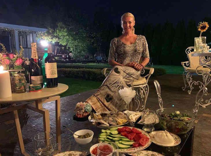Волочкова объяснила, почему не пошла на свадьбу к Собчак