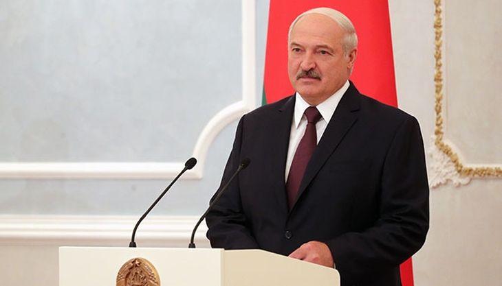 Лукашенко: Не будем же мы постоянно на коленях ползать перед своим старшим братом и вымаливать какие-то крохи
