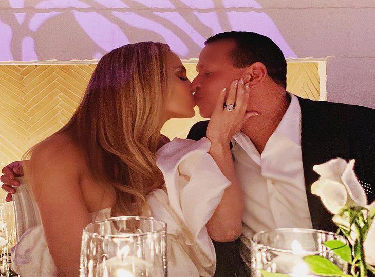 Стала известна стоимость грандиозной свадьбы Дженнифер Лопес