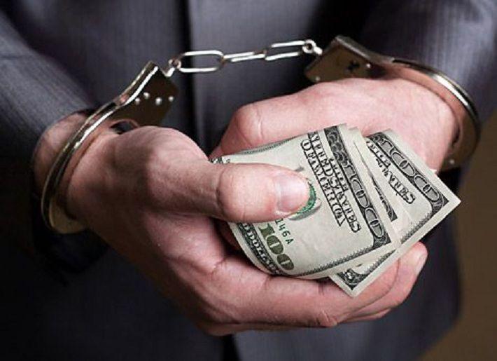 Выехавший из леса водитель «Жигулей» предложил ГАИ взятку в $32?