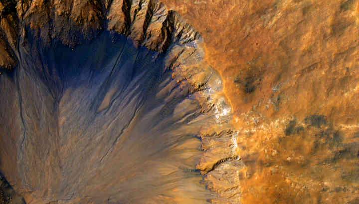Учёные сомневаются в наличии воды в «оврагах» Марса