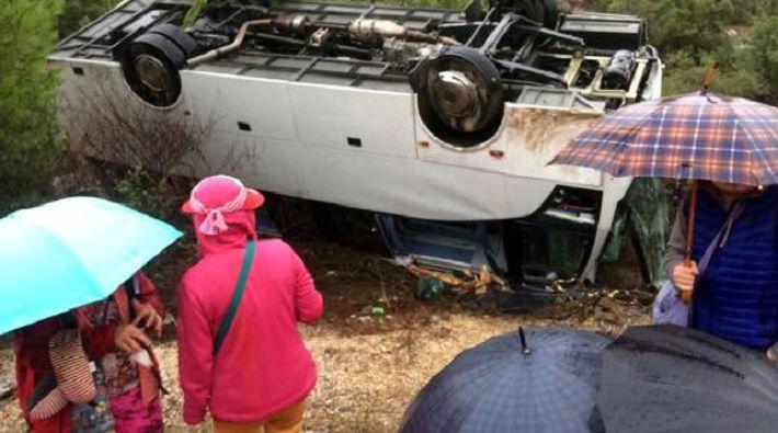 В Анталье перевернулся автобус с туристами