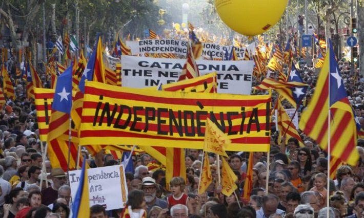 Парламент Каталонии признал решение испанских властей о своем роспуске