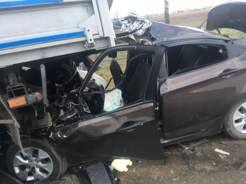 Под Минском Hyundai влетел под грузовик: погибли два человека
