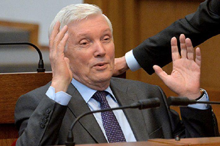Суриков: не стоит ожидать «неуютных подарков» перед Новым годом