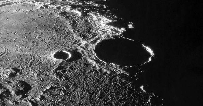 Ученые рассказали о способности лунной пыли изменять ДНК человека