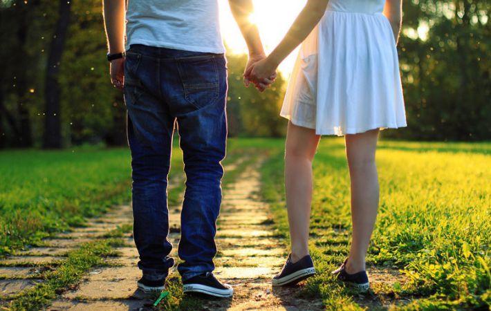 Подростки меняют интимные отношения на флирт